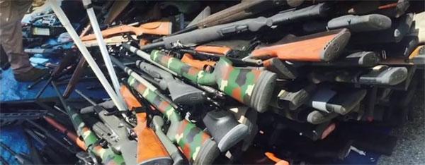 LA-1200-gun-man